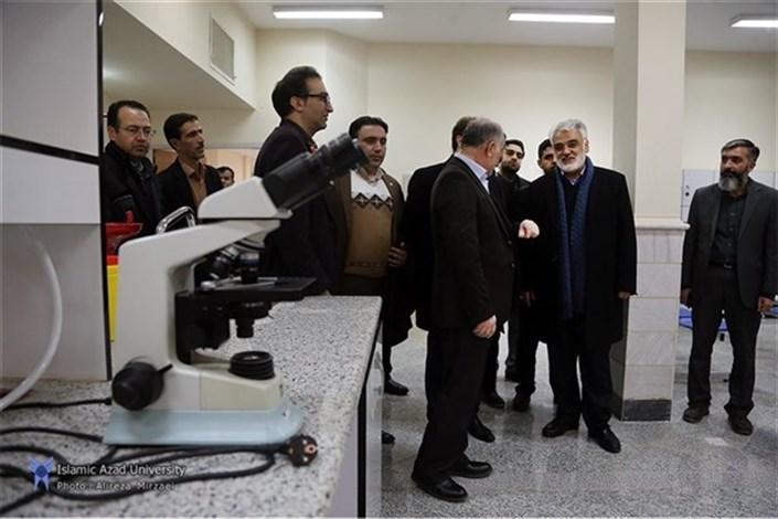 بازدید دکتر طهرانچی از دانشگاه آزاد اسلامی واحد ملایر