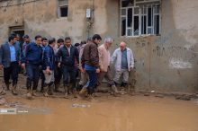بازدید رئیس دانشگاه آزاد اسلامی از مناطق سیل زده لرستان