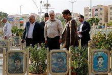 حضور دکتر طهرانچی در مزار شهدای شهر اصفهان