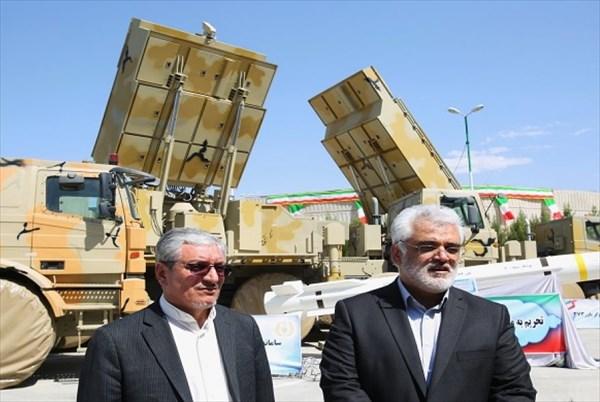 دکتر طهرانچی از سامانههای پدافند هوایی و همچنین سامانه «باور ۳۷۳» بازدید کرد