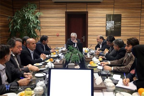 نشست هم اندیشی نمایندگان مجلس شورای اسلامی با رئیس دانشگاه آزاد اسلامی برگزار شد