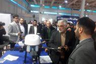 دکتر طهرانچی از غرفه دستاوردهای پژوهشی دانشگاه آزاد اسلامی بازدید کرد