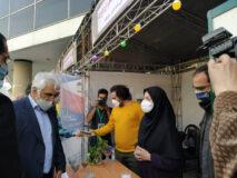 بازدید دکتر طهرانچی از نمایشگاه دستاوردهای پژوهشی و فناورانه دانشگاه آزاد اسلامی واحد علوم و تحقیقات